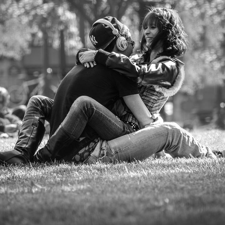 couple-814825_960_720.jpg