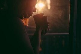 girl-865304__180.jpg
